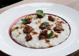 Ricetta-risotto-cacio-e-pepe,-animelle-glassate-e-coriandolo---Chef-Alessandro-Proietti-Refrigeri